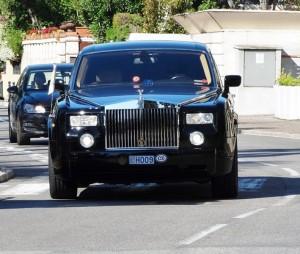 voiture du president et son escorte
